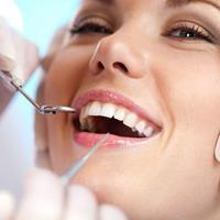Picture of a woman illustrating the availability of dental holistic biocompatible treatment in Costa Rica.